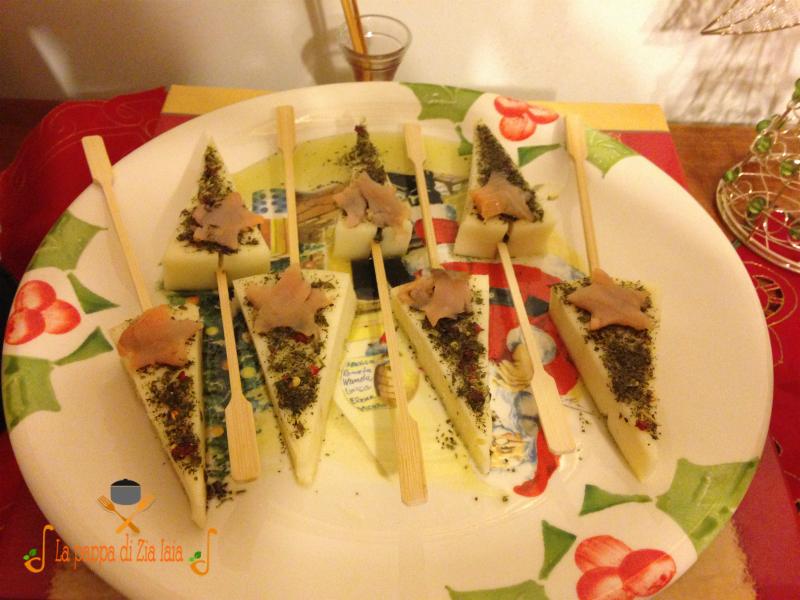 Alberelli di formaggio conditi