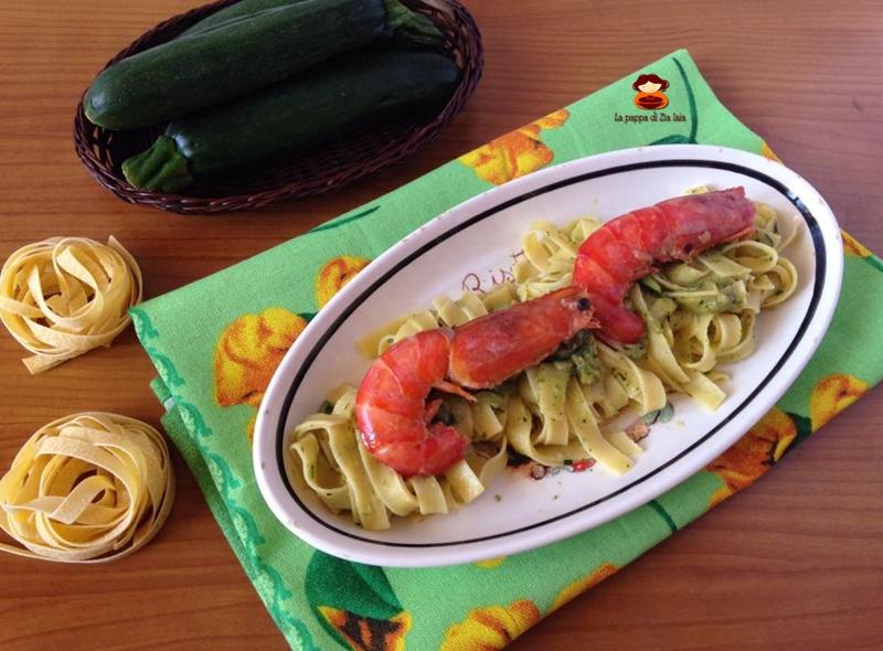 Tagliatelle crema di zucchine e gamberoni