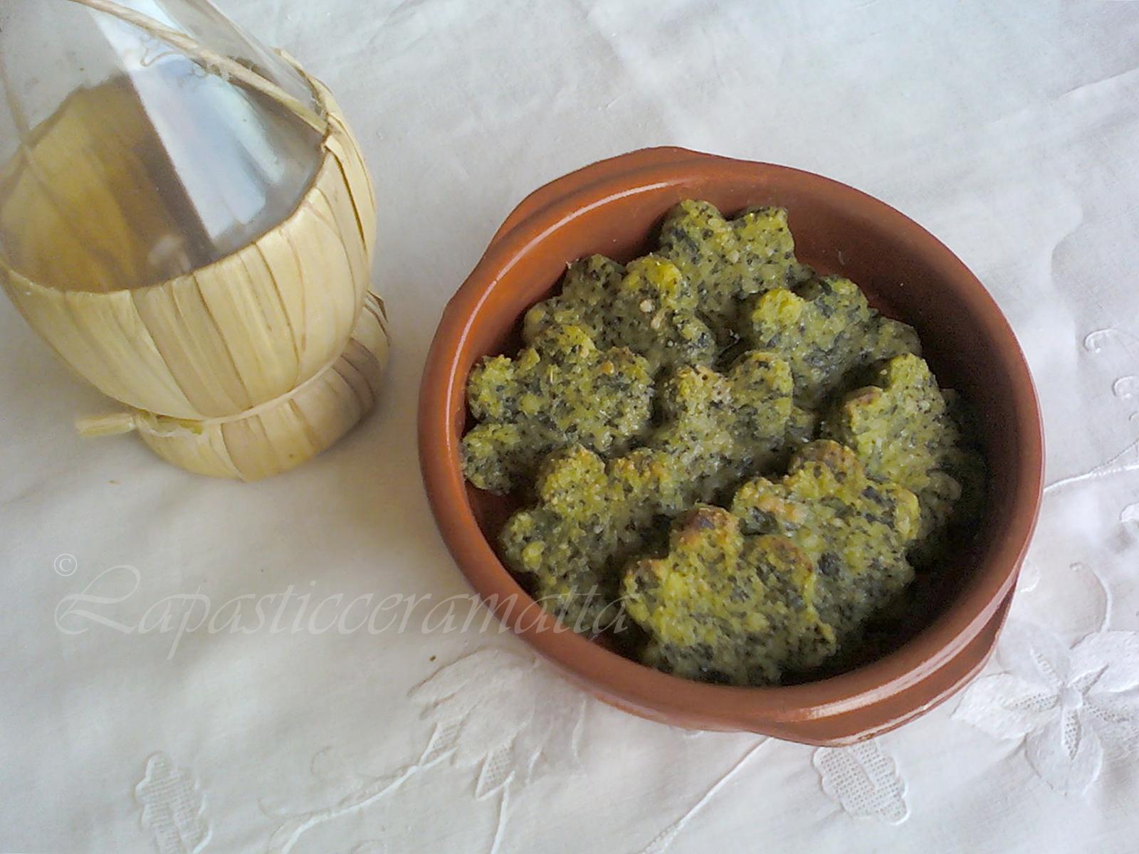 Medaglioni di semolino con spinaci, una golosa rivisitazione dei classici medaglioni di semolino, con spinaci, buonissimi