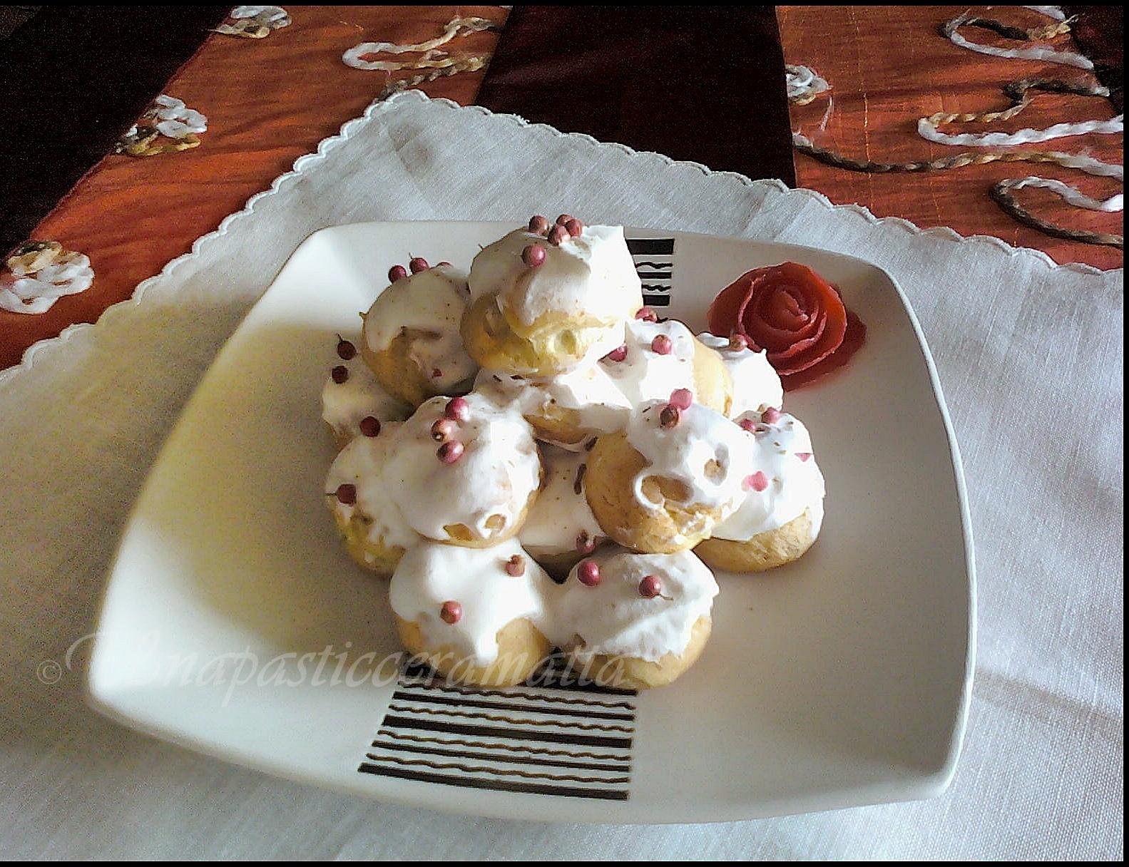 Profiteroles salato con funghi e crema salata Montersino