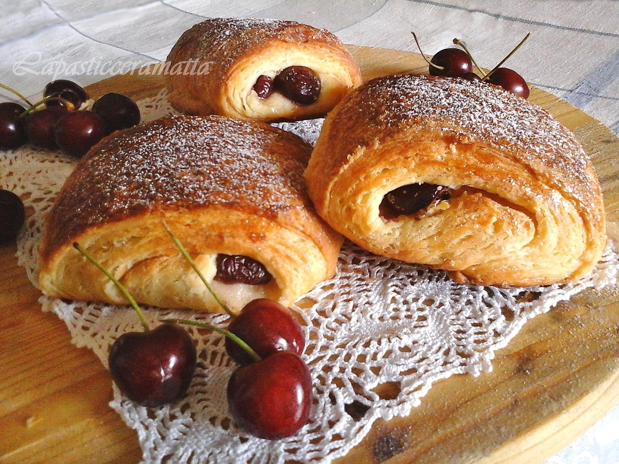 Saccottini alle ciliegie o pain aux cerises con pasta madre