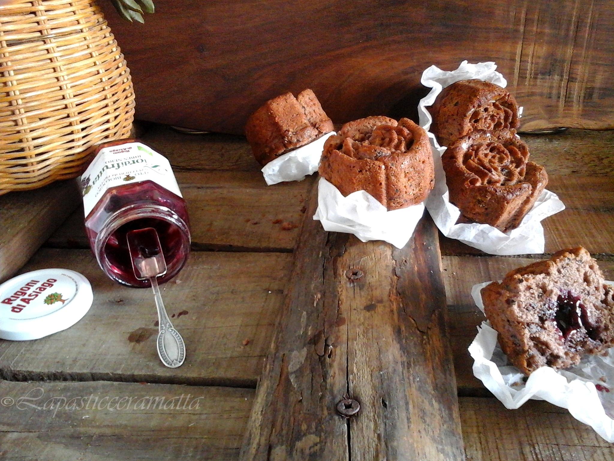 Muffins al ribes e cioccolato