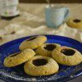 Biscotti al pistacchio con frutti di bosco
