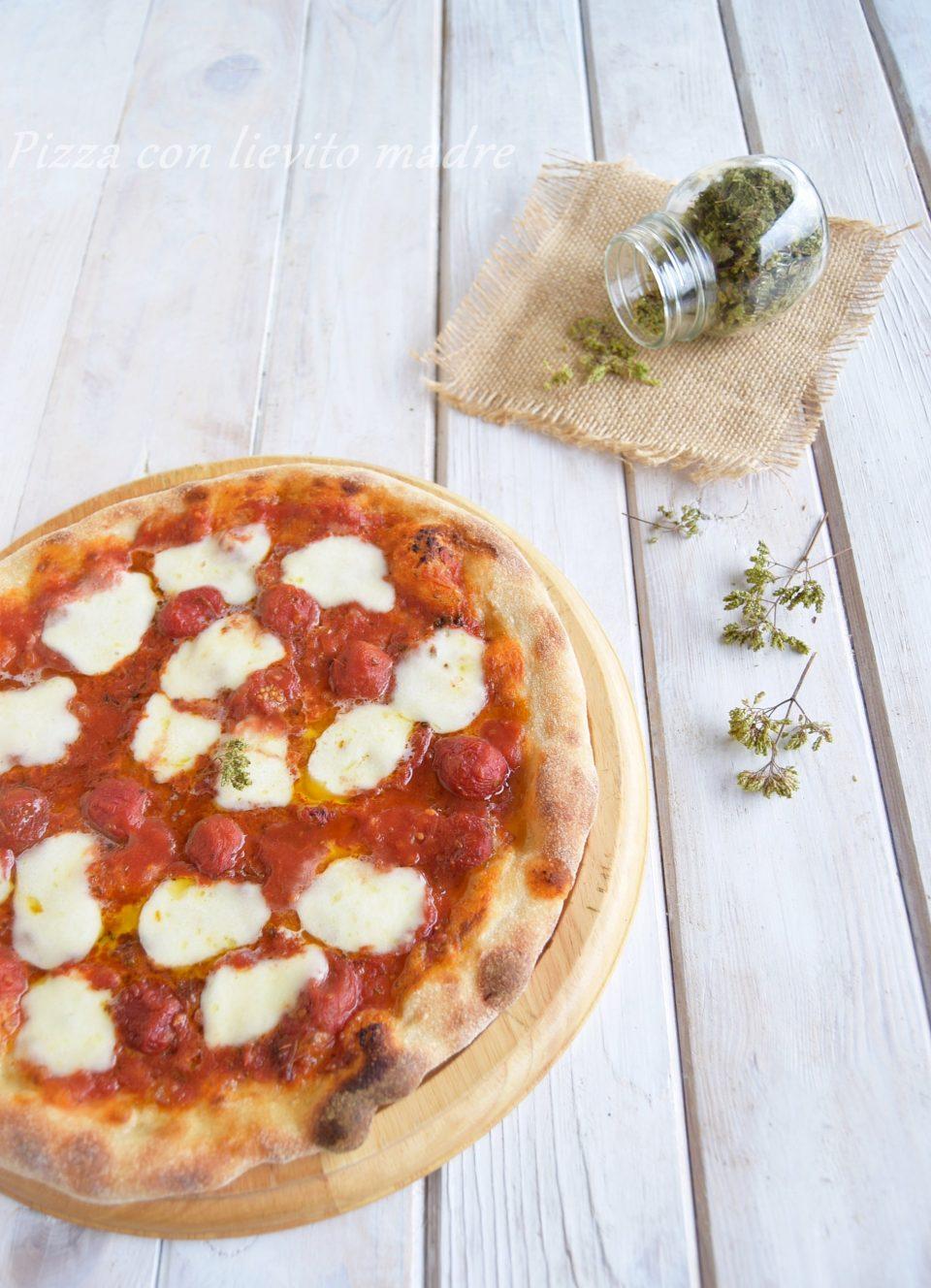 Pizza con lievito madre-ricetta base 24 h di lievitazione
