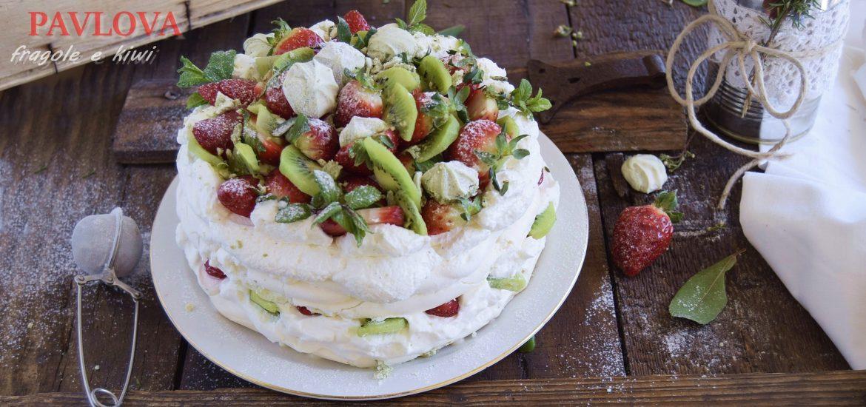 Pavlova alle fragole e kiwi-torta di compleanno