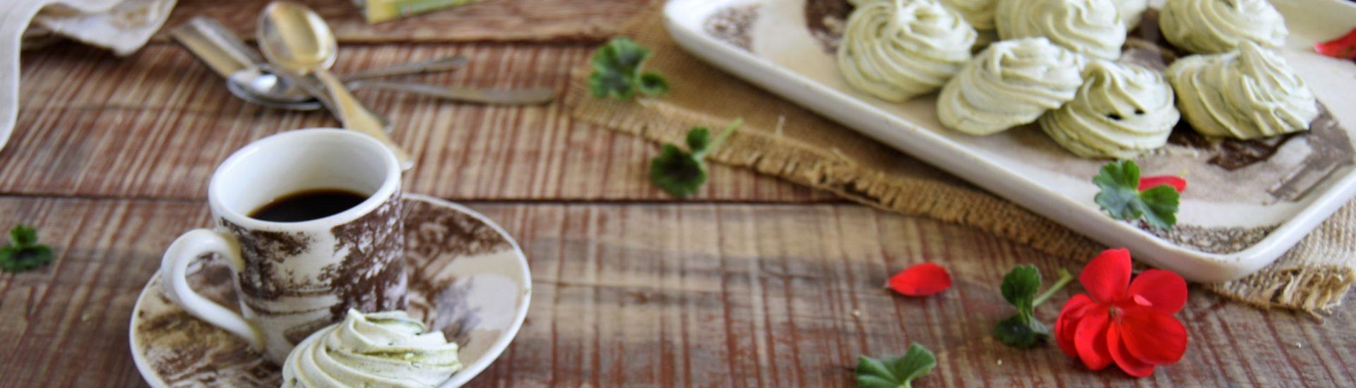 Ricetta meringhe al pistacchio