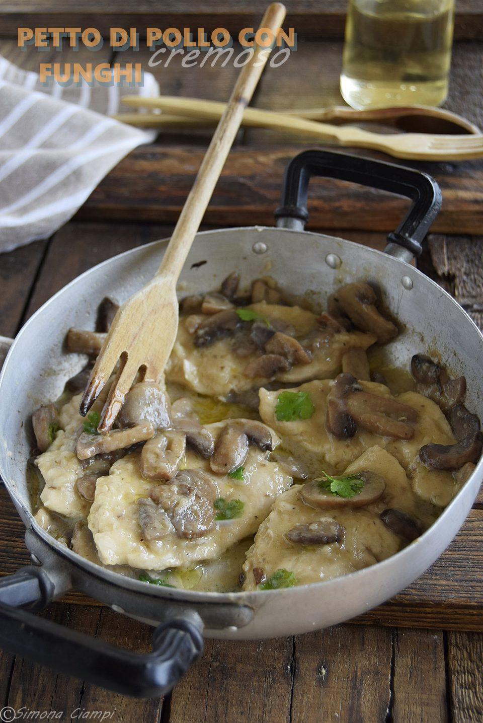 petto di pollo con funghi cremoso