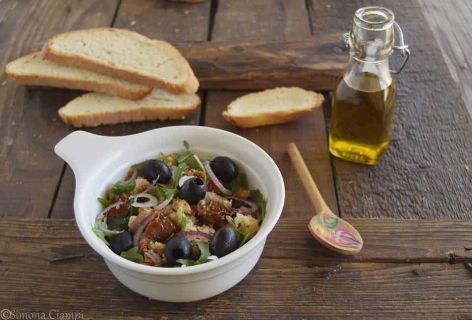 Panzanella toscana rivisitata-primo piatto veloce