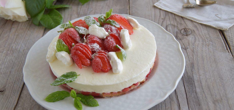 Torta con le fragole senza cottura-ricetta veloce