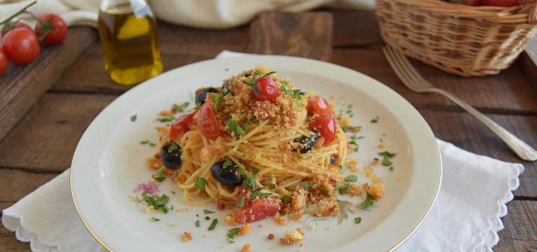 Spaghetti con la mollica-pasta ca muddica