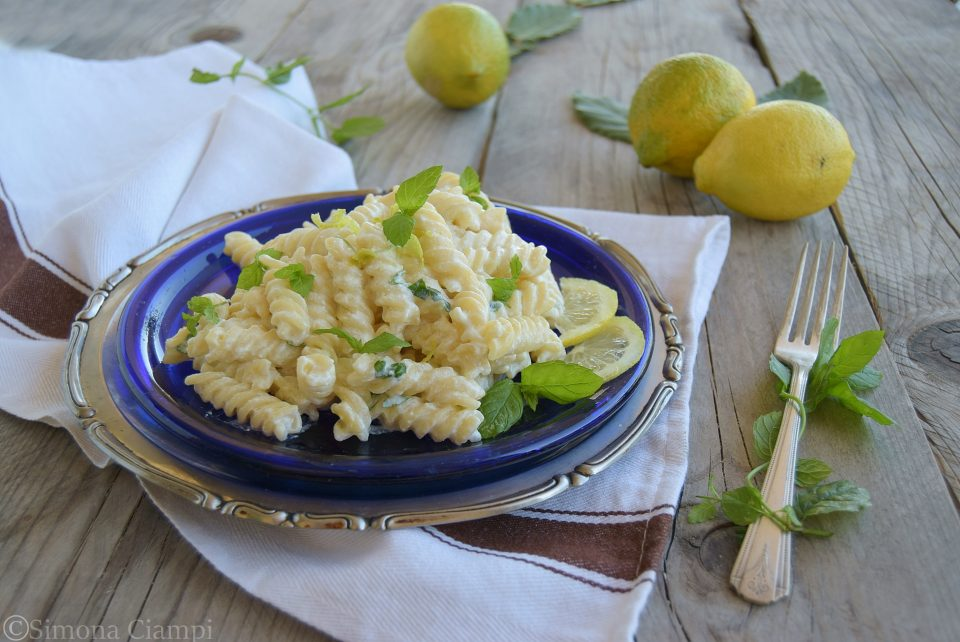 Pasta fredda cremosa limone e menta