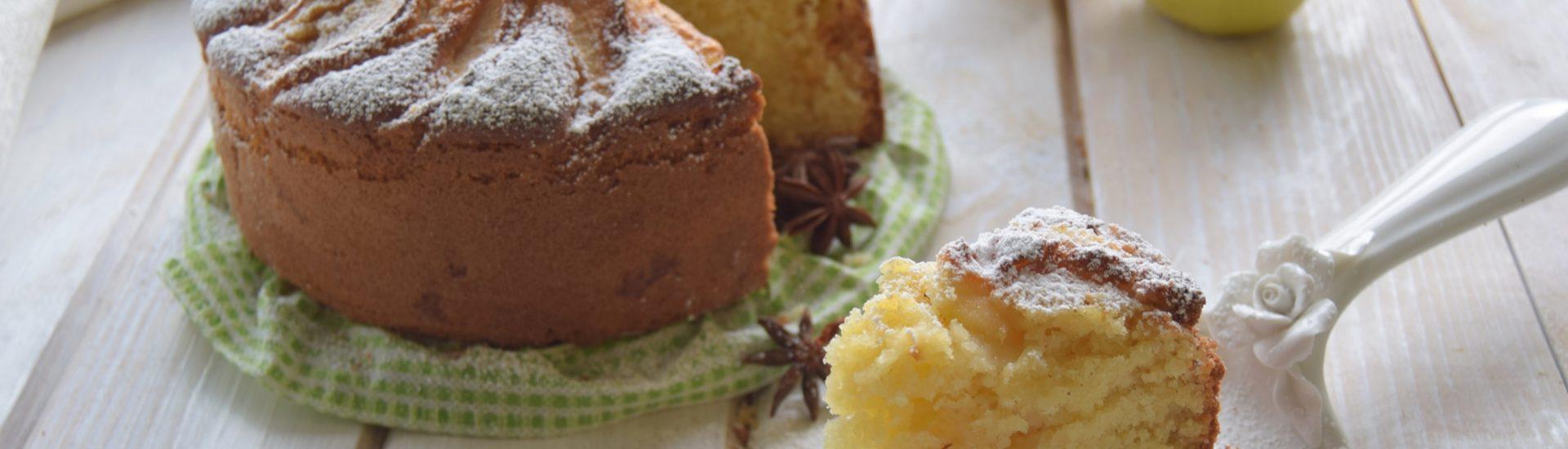 Torta di mele soffice con panna e limone