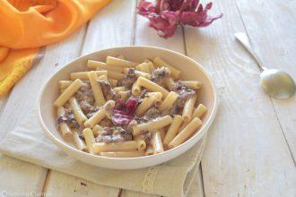 Pasta con radicchio, salsiccia e taleggio-pronta in 15 minuti