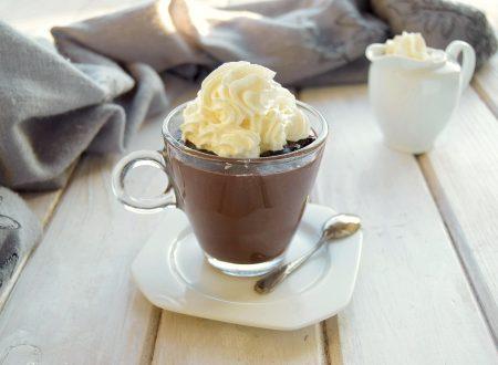 Cioccolata calda fatta in casa-densa come quella del bar