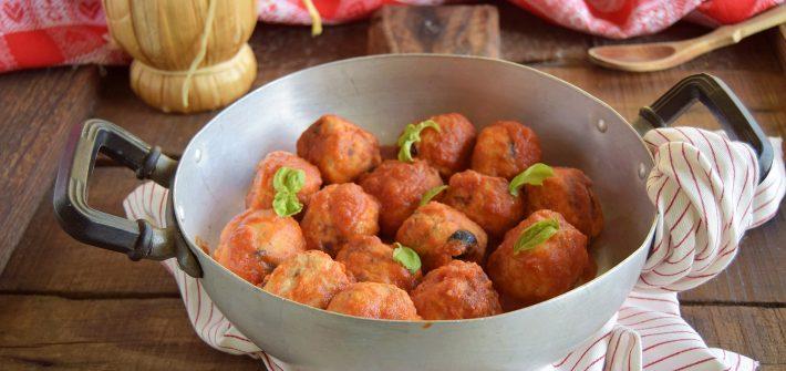 Polpette di pollo e ricotta con olive nere