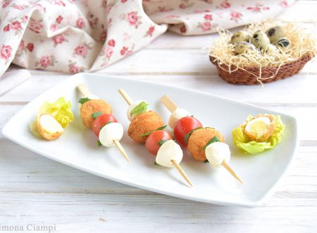 Spiedini con uova di quaglia fritte-antipasto sfizioso