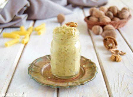 Salsa di noci-ottima per condire pasta e ravioli