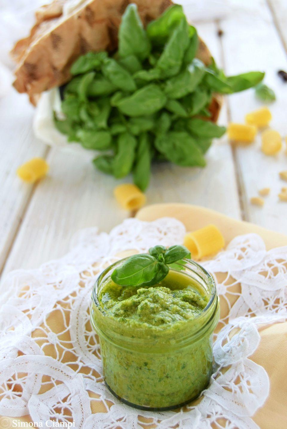 Ricetta Pesto Verde Chiaro.Come Fare Il Pesto Genovese Bello Verde Lapasticceramatta