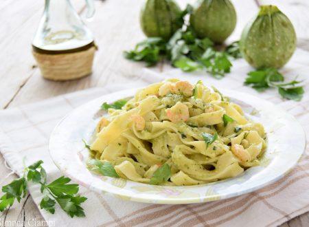 Pasta con gamberetti e crema di zucchine