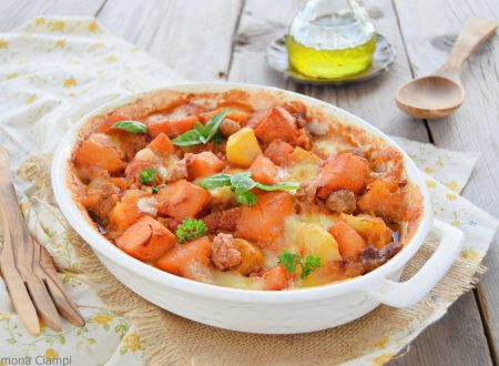 Zucca e patate al forno con salsiccia e mozzarella-senza precottura