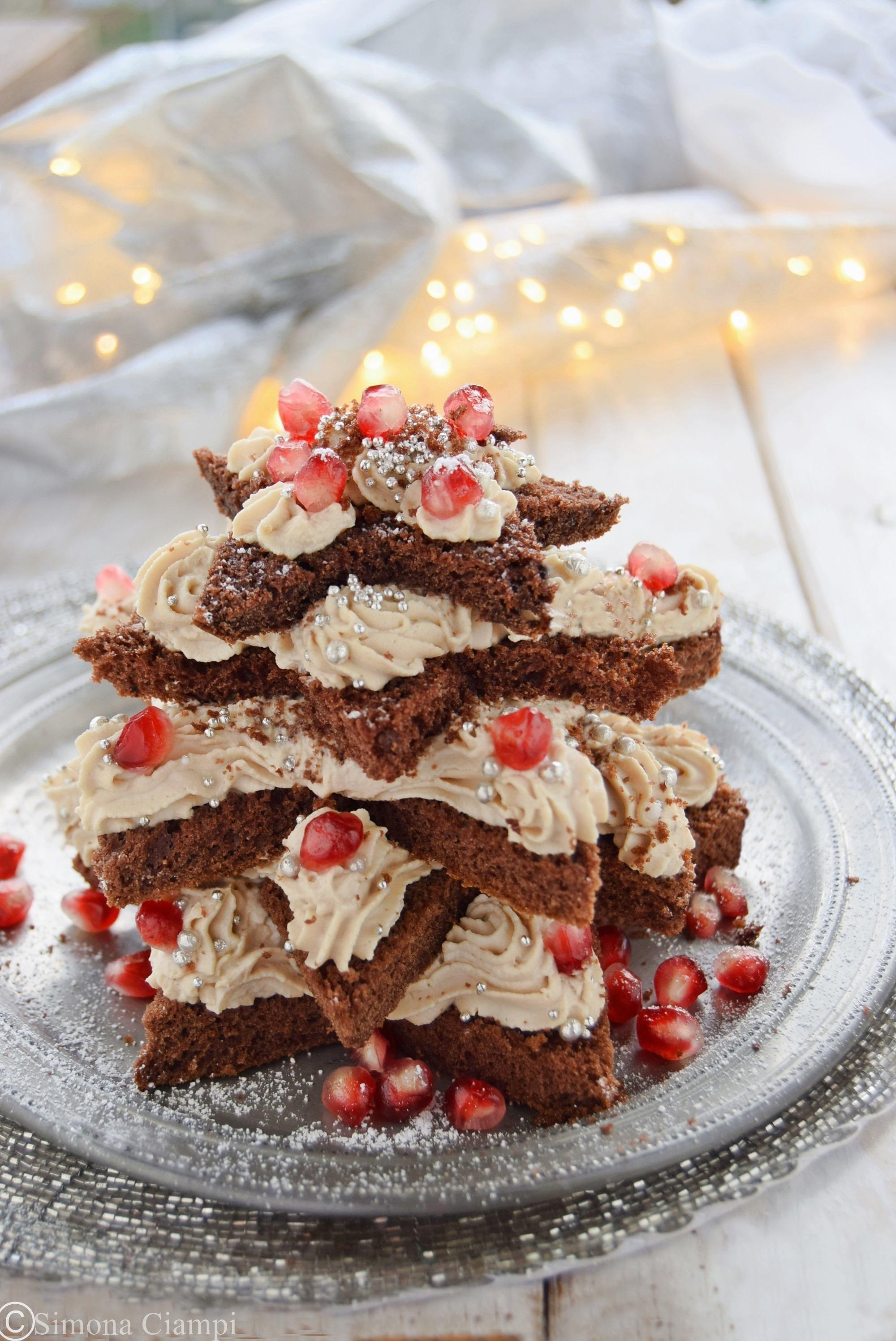Stella di Natale dolce al cioccolato e caffè