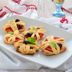 Tartellette salate antipasto o finger food velocissimo