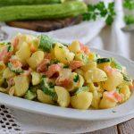 Pasta fredda salmonata con zucchine