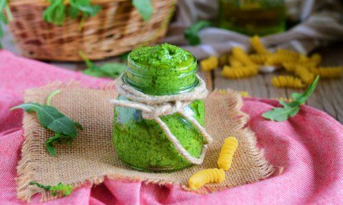 Pesto di rucola per pasta e bruschette
