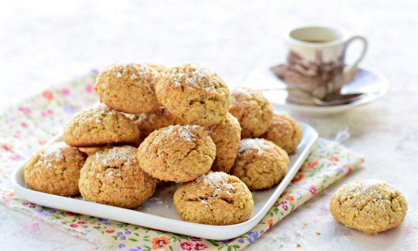 Biscotti con farina integrale e cocco