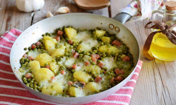 Patate e piselli in padella-gustoso piatto unico