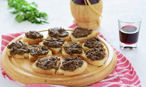 Crostini neri toscani-antipasto tipico