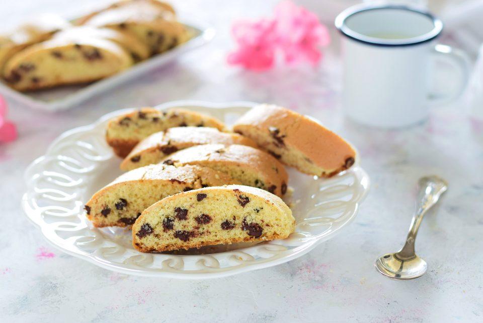 biscottoni da inzuppo con gocce di cioccolato senza burro