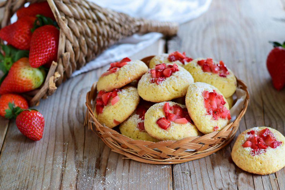 """Biscotti """"fragolosi""""-deliziosi e profumatissimi"""
