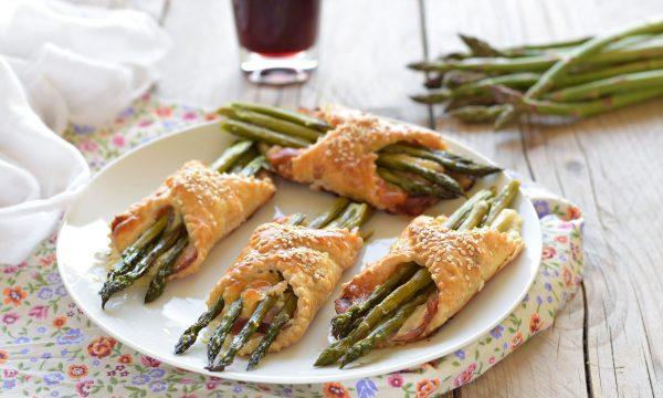 Fagottini di asparagi speck e scamorza