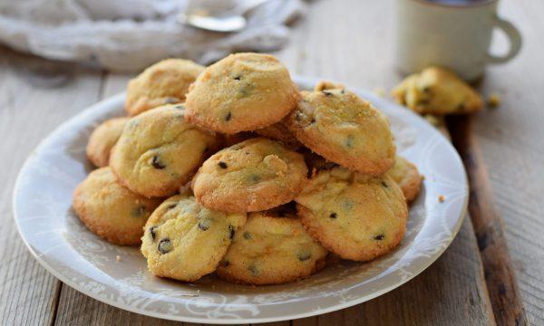 Sbrisolini con gocce di cioccolato-biscotti senza glutine