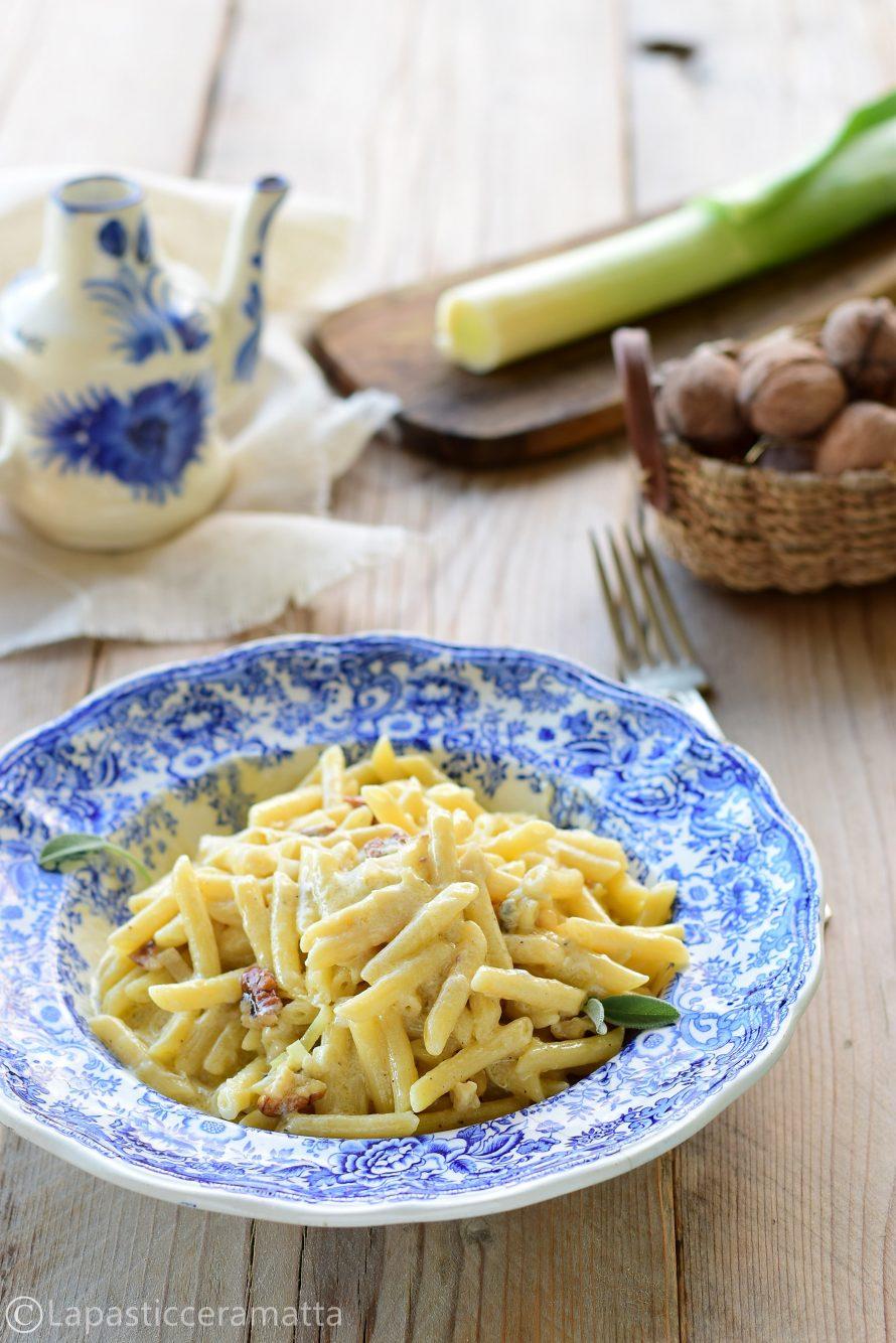 Pasta con i porri Gorgonzola e noci