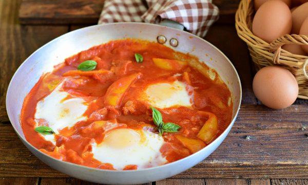 Uova al pomodoro alla rustica