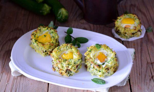 Cestini di zucchine e patate con uova-antipasto velocissimo