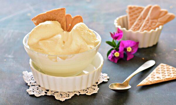 Gelato allo yogurt senza gelatiera e con solo 3 ingredienti