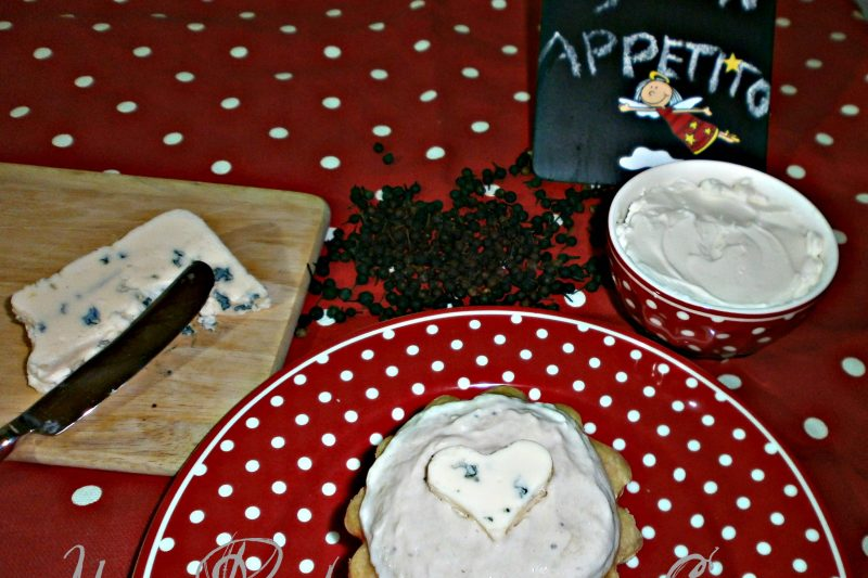 Mousse Gorgonzola e Tonno in Tartellette