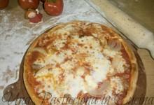 Pizza fatta in casa con Bella Napoli