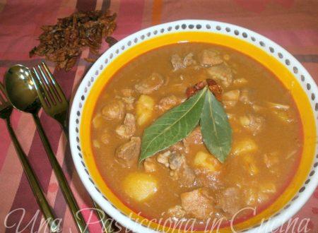 Gulasch o Gulash Ricetta (cucina ungherese)