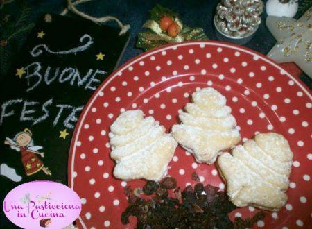 Biscotti Natalizi a forma di Alberi di Natale Ricetta