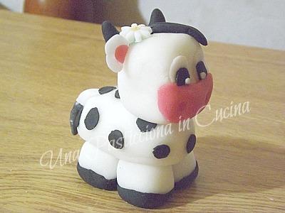 come fare mucca in pasta di zucchero