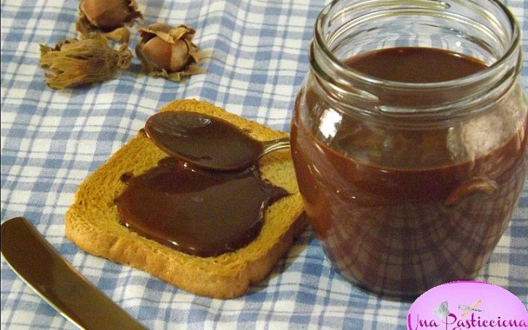 Nutella Fatta in Casa senza Zucchero e Latte