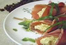 Involtini di Bresaola con Formaggio e Pesto