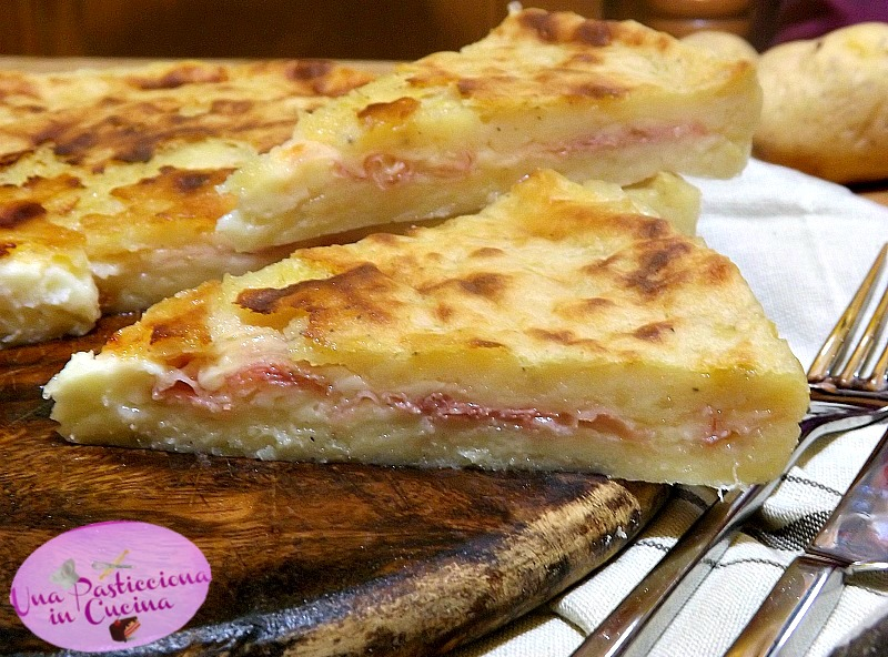 pizza di patate senza uova al microonde