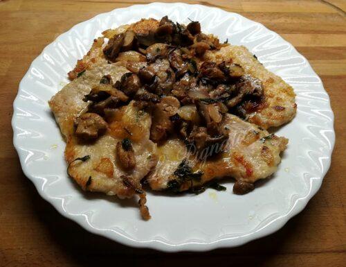 Lonza di suino con champignon, cipolla e prezzemolo