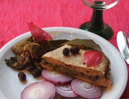 Focaccia integrale con indivia cipolle  rosse e olive di gaeta