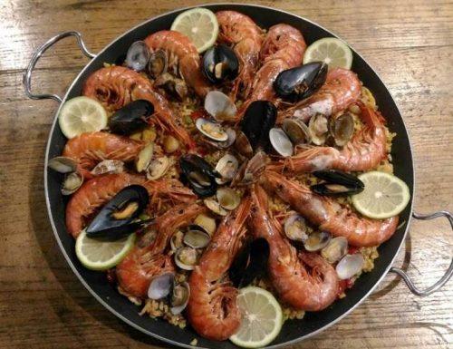 Paella di mare con riso integrale